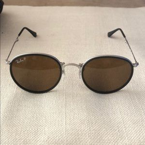 Polarized round frame Ray Ban sunglasses